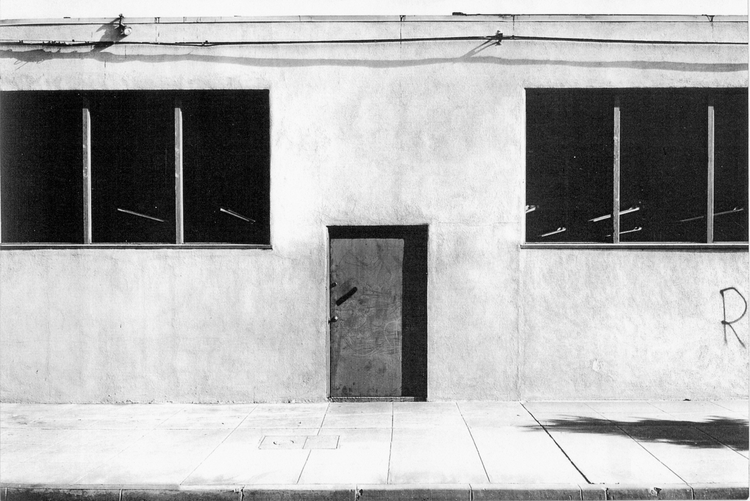 Lewis Baltz, Commercial Building, Pasadena, 1973. © Successors of Lewis Baltz. Used by permission. Courtesy of Gallery Luisotti, Santa Monica