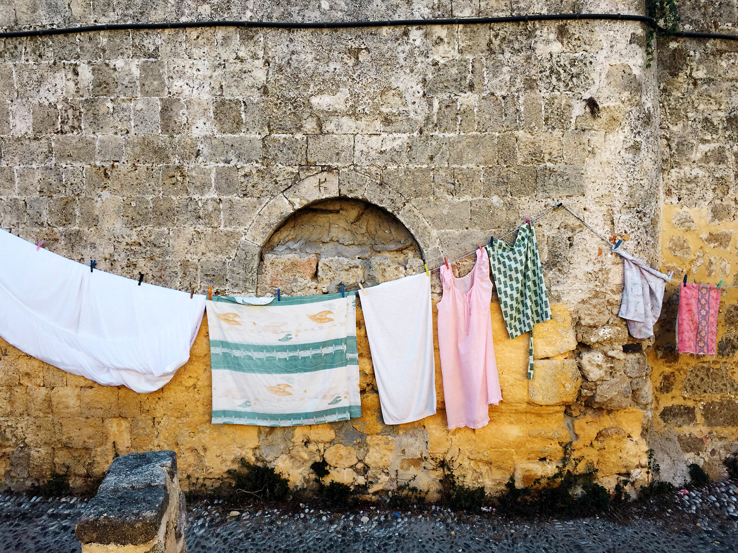 Gina Weathersby, Laundry Series 1, 2015. Photograph. Courtesy of the artist