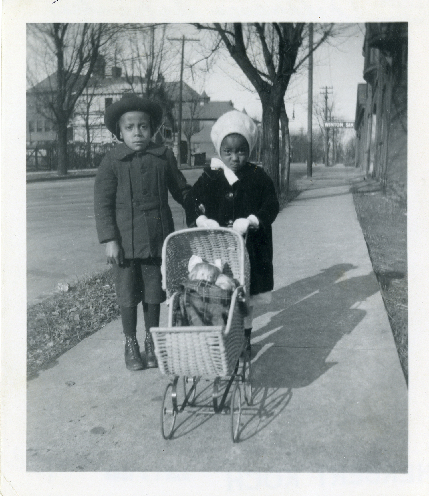 Felix J. Koch, Children with Toys, Walnut Hills, January 2, 1921. Gelatin silver print, 4 x 5 inches. Courtesy of Cincinnati Museum Center History Library and Archives